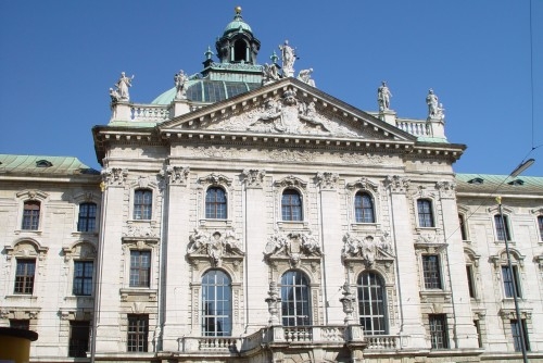 Image gallery italian baroque architecture characteristics for Pictures of baroque architecture