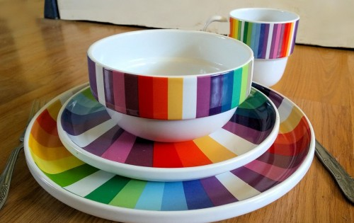 Brightening up your tableware