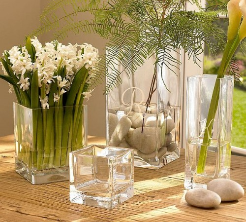 Decorating your room with faux flowers