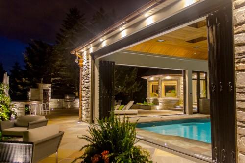 folding-glass-walls-pool-house