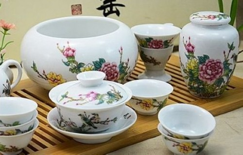 Chinese porcelain items and curatives