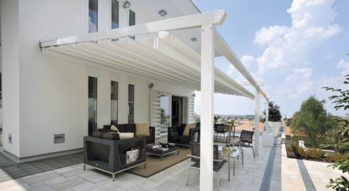 Choosing Patio Awnings for Different Uses