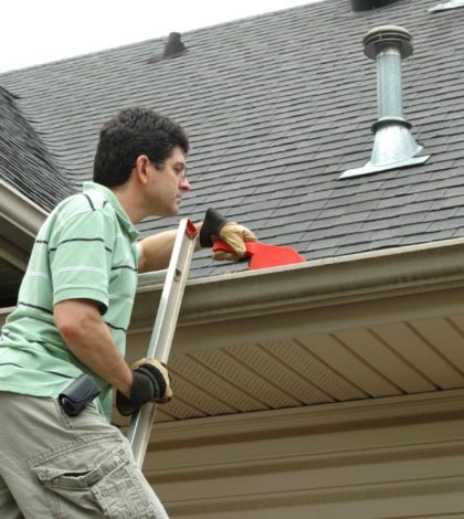 Tips for Cleaning Outside of Gutters