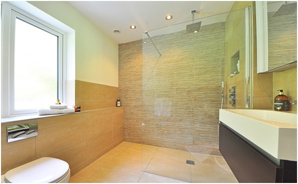 Take the tiles in the shower up to the ceiling