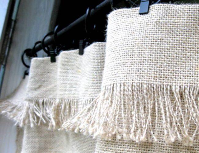 No-Sew Burlap Curtain