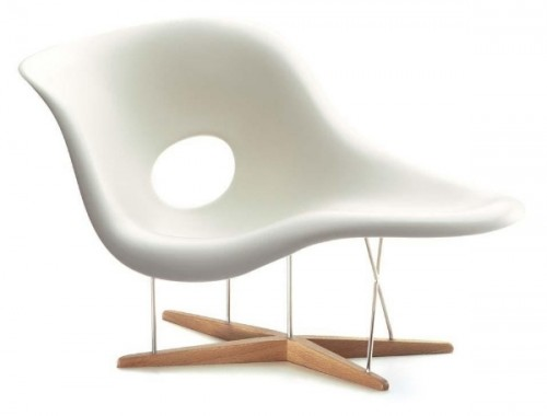One Of The Modern Classic Chairs, It Was Designed Back In The Mid Twentieth  Century. The Classic And Minimalistic Design Entails Low Cost And Complete  ...