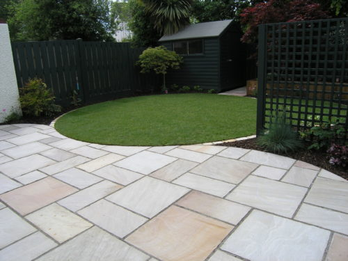 innovative design ideas for garden paving slabs